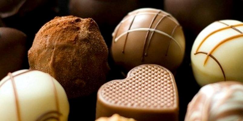Risultati immagini per festa cioccolato artigianale piazza carità napoli facebook
